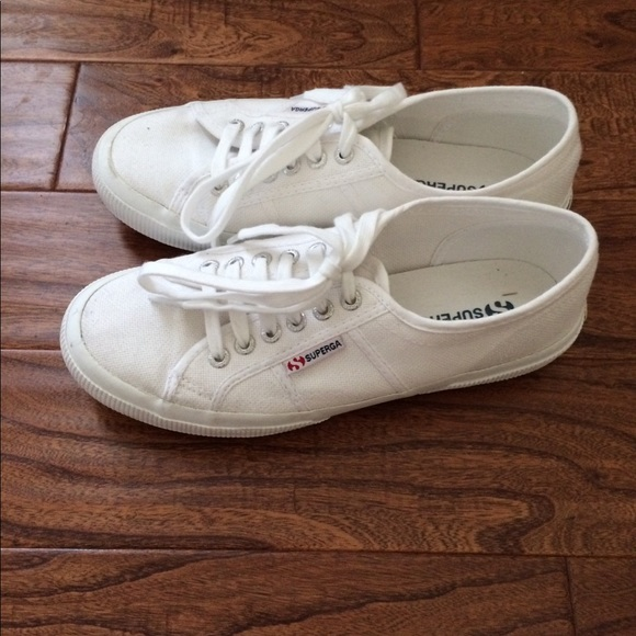 2750 Cotu White Canvas Sneakers Size